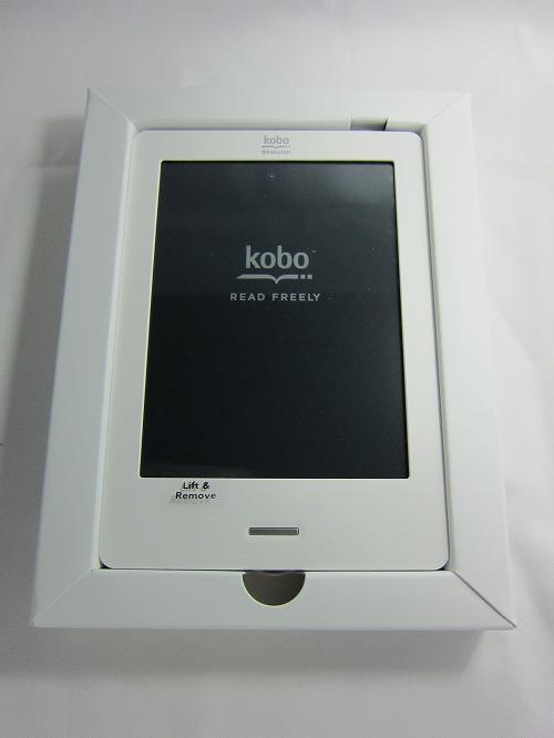 楽天「kobo Touch」箱を開けると