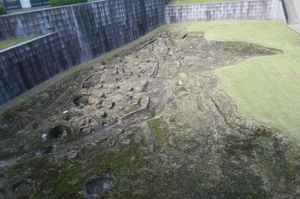 飛鳥池工房遺跡の復原遺構