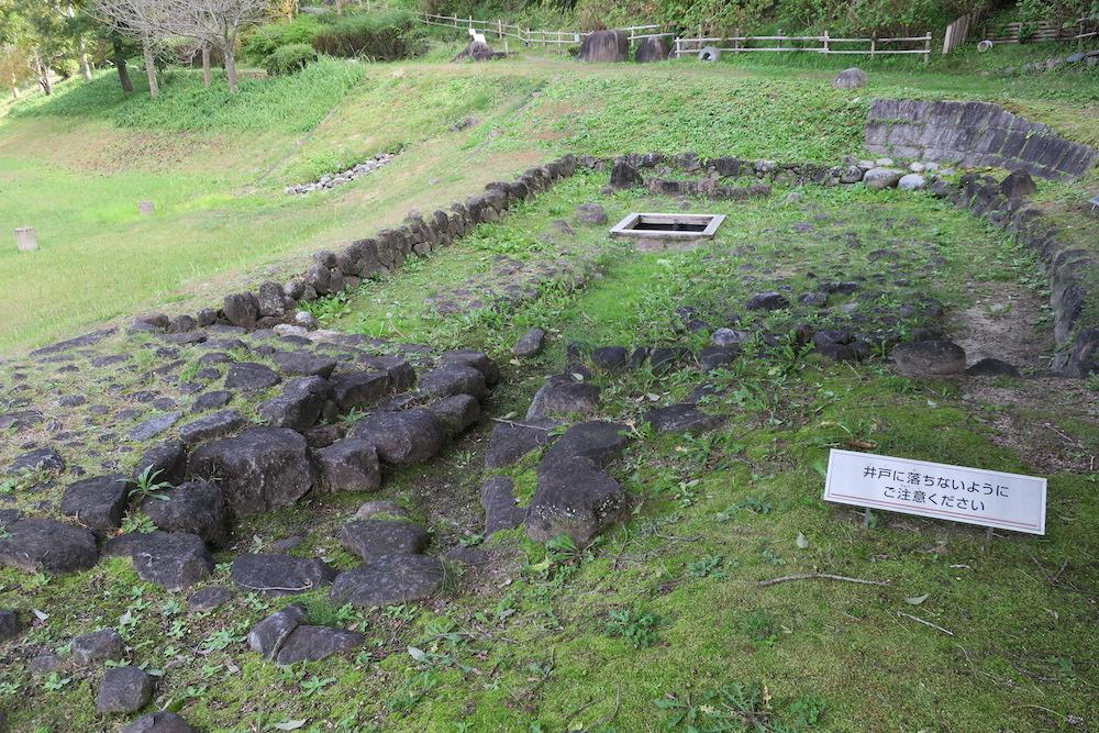 石敷井戸跡