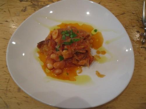ポルタ・ヌォーヴァ とりもも肉と白いんげんの軽いトマト煮込み