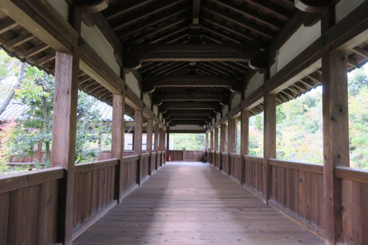 渡り廊下 庭園側