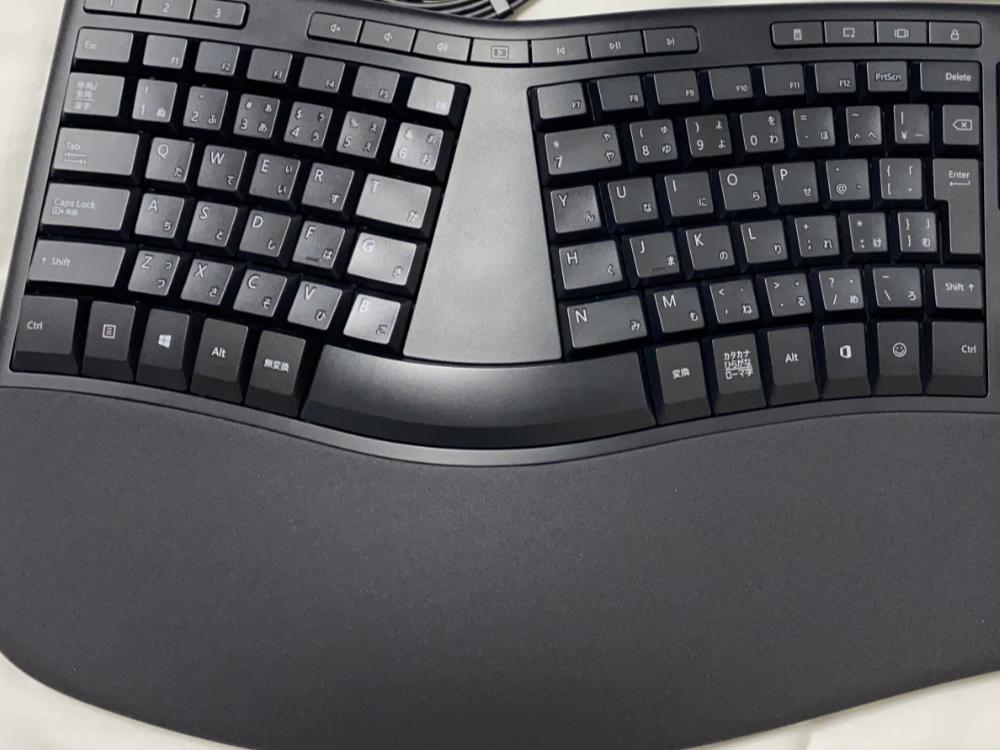 マイクロソフト エルゴノミック キーボード LXN-00018 キー配列