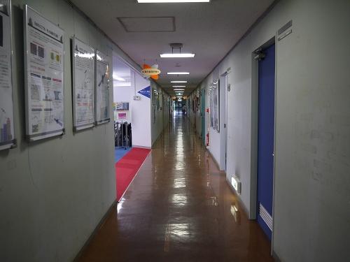 広報・情報棟 廊下