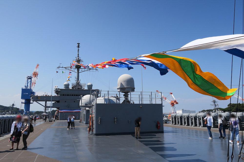 満艦飾の旗