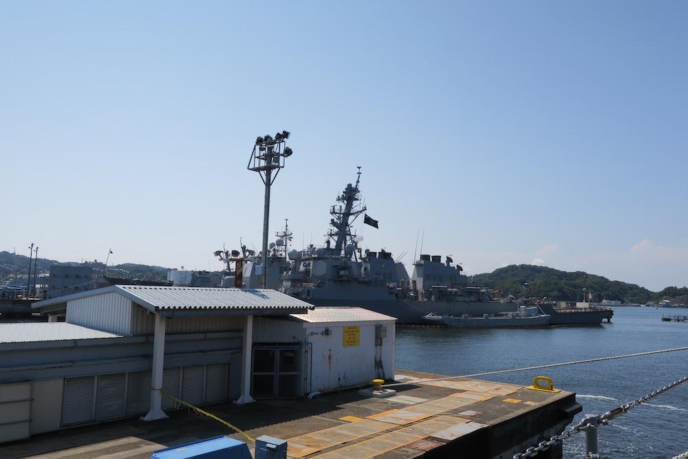 アーレイ・バーク級ミサイル駆逐艦が二隻