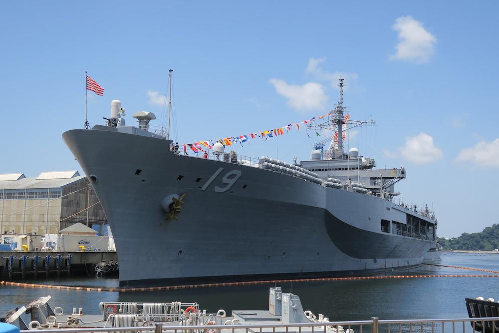 揚陸指揮艦「BLUE RIDGE(ブルー・リッジ)」