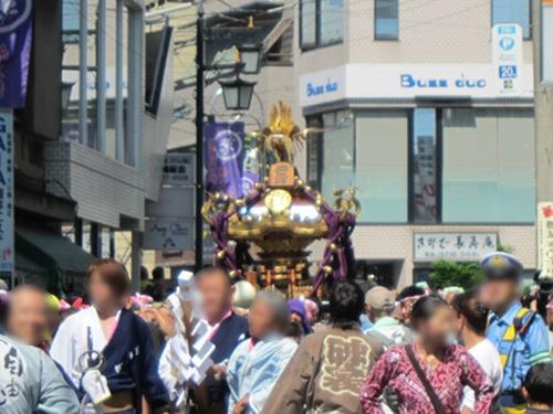 自由が丘熊野神社 二の宮神輿 遠景