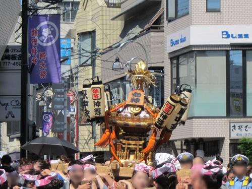 自由が丘熊野神社 女神神輿 遠景