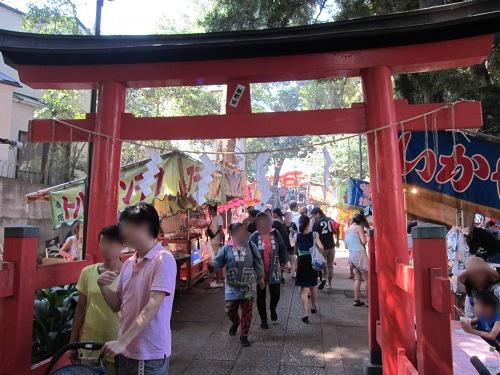 自由が丘熊野神社 参道
