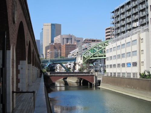 神田川を右手に見た景色
